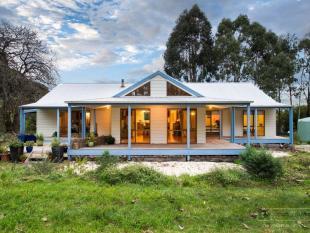3 bedroom house in 110 Birregurra-Yeodene...