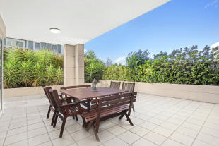 Apartment in 16/17 Orchards Avenue...