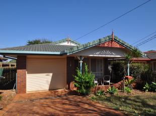 3 bed house for sale in 11 Nirimba Street...