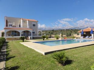 Detached Villa for sale in Crete, Chania, Douliana