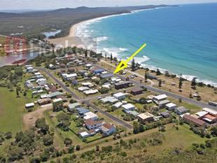 property for sale in 68 Ocean Road, BROOMS HEAD 2463