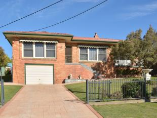 4 bed house in 208 George Street...