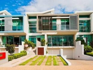 3 bed Villa for sale in PARADISE POINT 4216