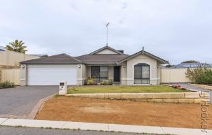 house for sale in 28 Yallingup Loop...