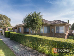 4 bedroom property for sale in 67 Circle Drive South...