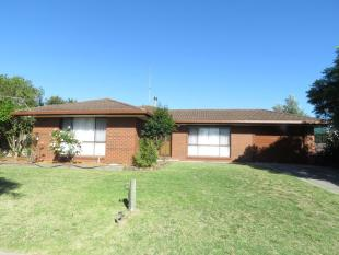 3 bedroom house for sale in 29 Waratah Avenue...
