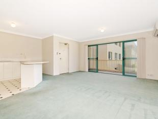 2 bedroom Apartment in 52/53 McMillan Crescent...