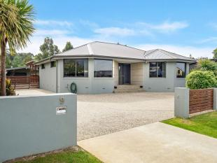9 Snow Gum Drive property for sale