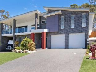 4 bed property for sale in 14 Timothy Place...