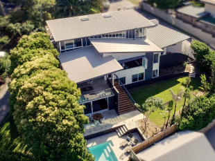 5 bed home for sale in 106 Crescent Road...
