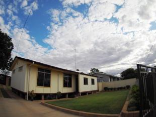 3 bedroom house for sale in 15 Moresby Street...