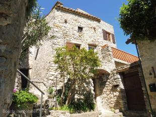 2 bed Village House for sale in Grignan...