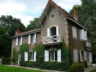 Stone House for sale in Ciadoux, Midi-Pyrenees...