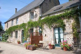 Stone House in Le Beny-Bocage...