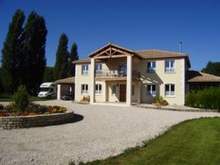 Villa in Chef-Boutonne...