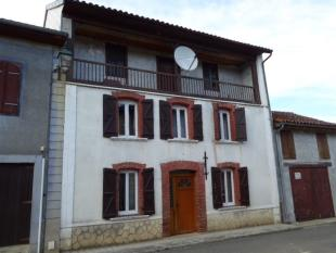 3 bed Village House in Saint-Plancard...