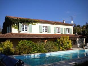 Villa in Montmoreau-Saint-Cybard...
