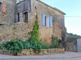 2 bed Village House for sale in Pezenas...