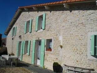 Stone House in Saint Jean D'angely...