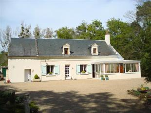 Stone House for sale in Bourgueil, Centre, France