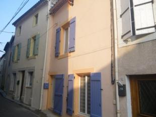 Village House for sale in Narbonne...