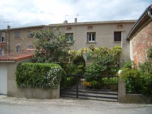 Village House for sale in Fanjeaux...