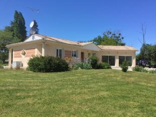 3 bed Villa for sale in Le Puy, Aquitaine, France