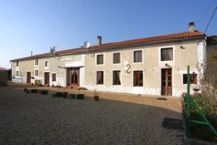 Stone House in Fontaine-Chalendray for sale