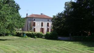 Chef Boutonne Stone House for sale