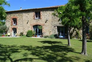 6 bed house for sale in Ceret...