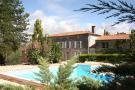 8 bed Villa in Chateauneuf-sur-Charente...