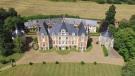 Castle in La Chartre-sur-le-Loir for sale