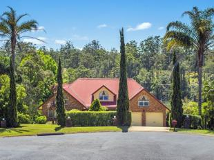 24 kimberley Grove property for sale