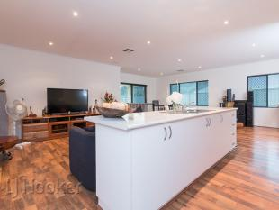 4 bedroom house in 21 Myalup Drive...