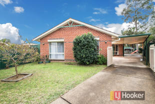 4 bed home for sale in 16 Jessica Place...