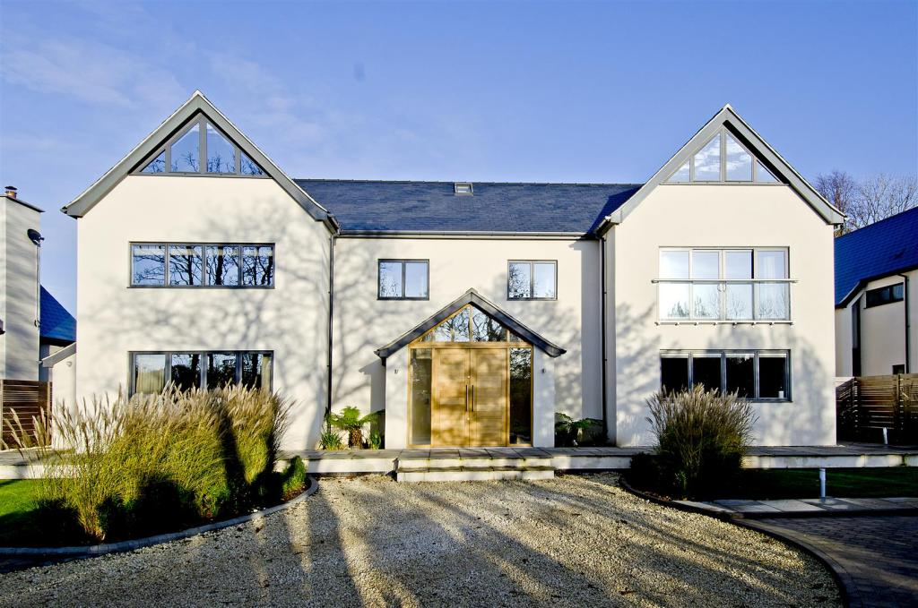 Property For Sale In Caythorpe