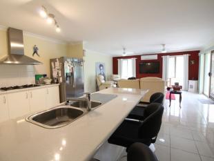 property for sale in 31 Windsor Drive, MOUNT HALLEN 4312