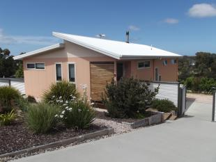 2 bedroom house for sale in 9 Bayvista Rise...