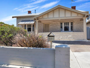 3 bed house in 66 Port Road...