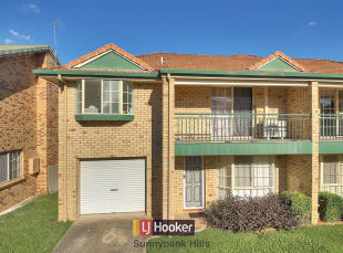 3 bedroom Town House for sale in 62/1162 Cavendish Road...