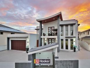 7 bedroom house for sale in 110 The Parkway...