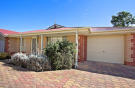 3 bedroom home in 4/5A Burrows Street...