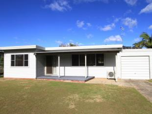 2 bed house in 28 Lakehaven Drive...
