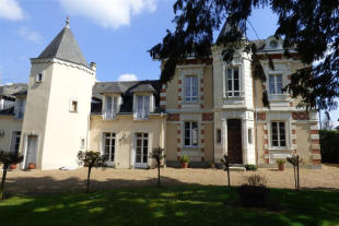 6 bed Character Property for sale in Pays de la Loire, Sarthe...