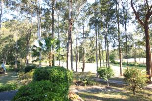 4 bed property in 22 Hilltop Parkway...