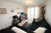 1 bed Apartment to rent in Kitiwake House, Slough