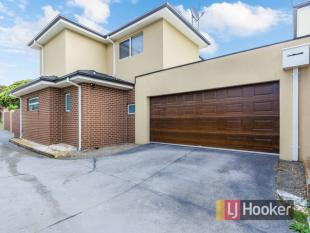 4 bedroom house in 1/65 Somerville Road...
