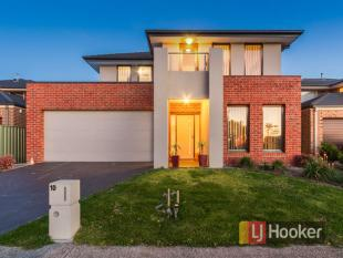 10 Avon River Way home