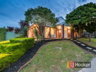 4 bedroom property for sale in 13 Highland Crescent...
