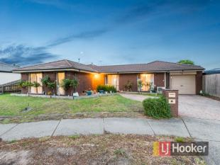 house for sale in 28 Robinson Crescent...